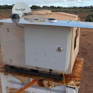 The Desert Fireball Network observatory at Mundrabilla